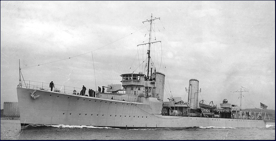 HMCS Champlain circa 1932 KMD-03502