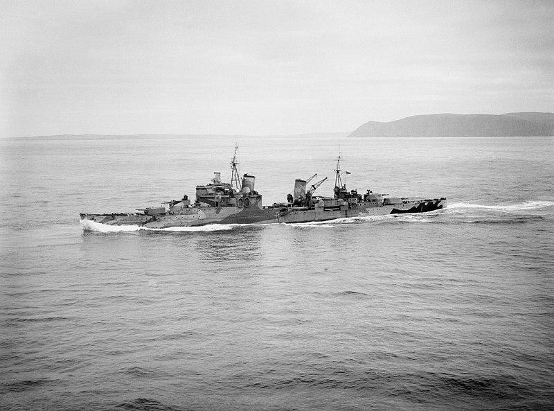 800px-HMS_SHEFFIELD_underway_near_Scapa_
