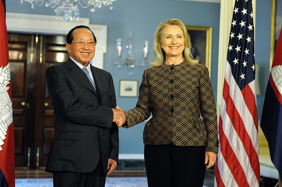 Hillary Rodham Clinton meets with Hor Namhong June 12, 2012