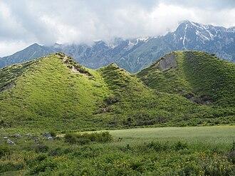 Horë-Vranisht - Hills in the area