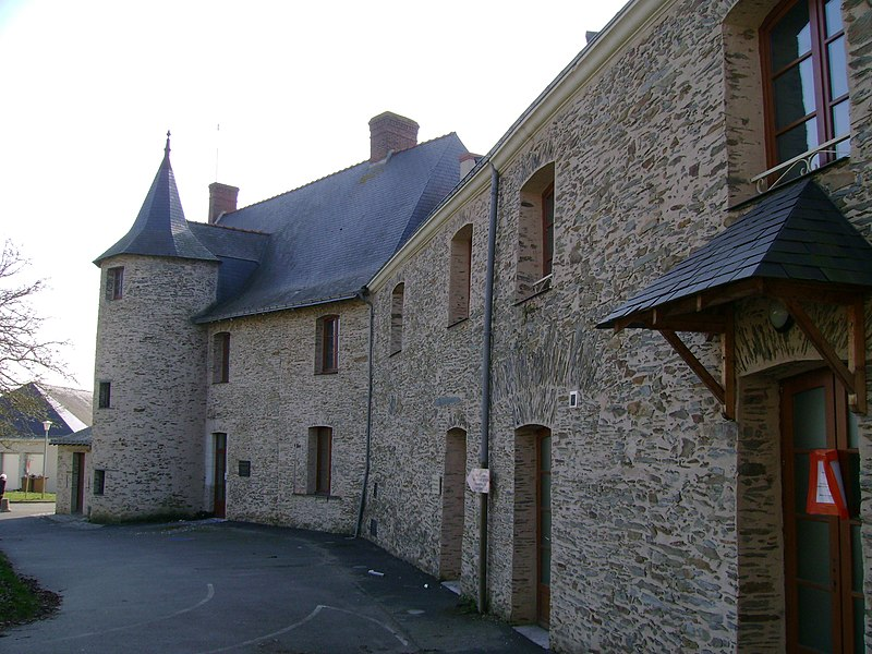 Ancien hospice, devenu hôpital, à candé, 49, France