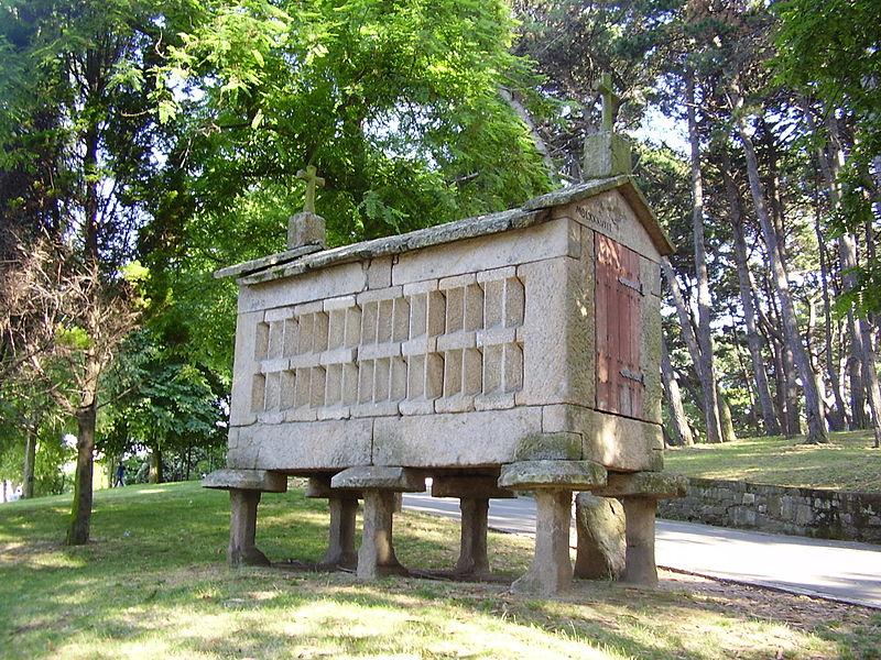 Hórreo no Parque de Santa Margarida (A Coruña)