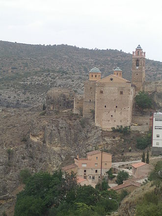 Castielfabib - View of the church-fortress of Castielfabib