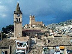 [Imagen: 240px-Iglesia_de_Santa_Mar%C3%ADa_y_Cast...illena.jpg]