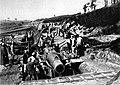 In der Schlucht von Braquette bei Foucaucourt war schwerer Artillerie zusammengezogen, die während der Somme-Kämpfe ununterbrochen auf die deutschen Gräben hämmerte.jpg