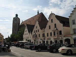 Ingolstadt Theresienstr. 29-31 und Münster.jpg