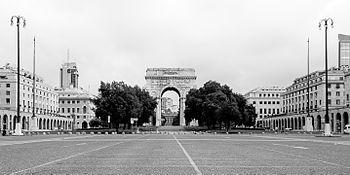 Italy Genova Arco di Trionfo Piazza 01.jpg