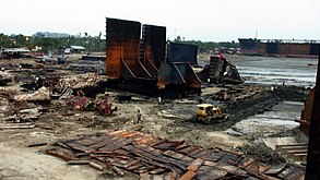 Jafrabad Chittagong shipbreaking (1)