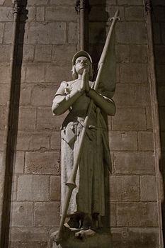 Jeanne d'Arc - Cathédrale Notre-Dame de Paris.jpg