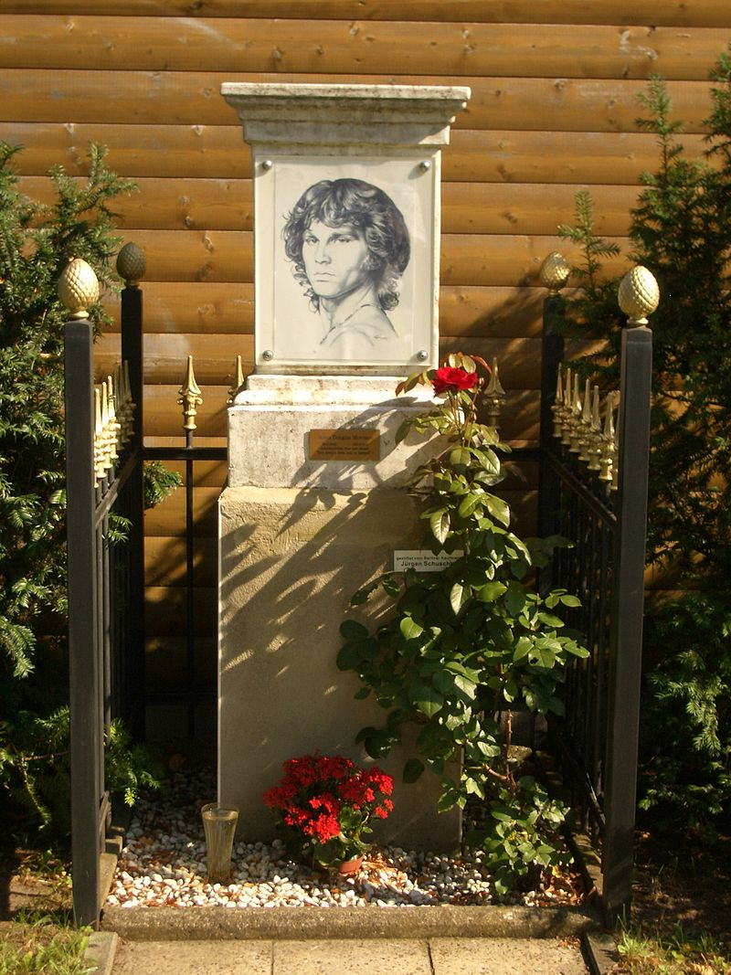 Jim Morrison Memorial Berlin1.JPG