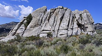 Joint (geology) - Joints in the Almo Pluton, City of Rocks National Reserve, Idaho.