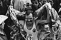 Juichende Robert de Castella na de finish, Bestanddeelnr 932-5565.jpg