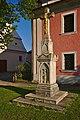Kříž vedle kostela, Nedvědice, okres Brno-venkov.jpg