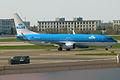 KLM, PH-BXU, Boeing 737-8BK (16456452485).jpg