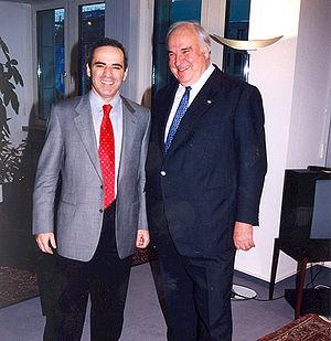 English: Garry Kasparov and Helmut Kohl.