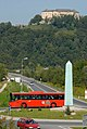Kirschentheuer Kreisverkehr mit Obelisk 01.jpg