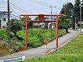 Kurokamiyama-jinja (Shinto, Gunma) red torii.jpg