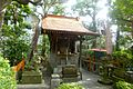 Kyu Yasuda teien - shrine - oct 20 2015.jpg