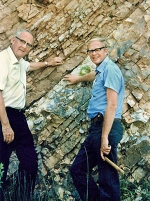 Alvarez hypothesis - Luis, left, and his son Walter Alvarez, right, at the K-T Boundary in Gubbio, Italy, 1981