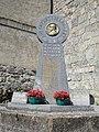 Lacarry (Lacarry e.a. Pyr-Atl, Fr) monument aux morts en forme de stele basque.JPG