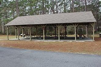 Laura S. Walker State Park - Image: Laura S. Walker State Park picnic shelter 6