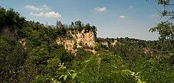 Le rocche del Roero (Baldissero d'Alba, Piemonte, Italia).jpg