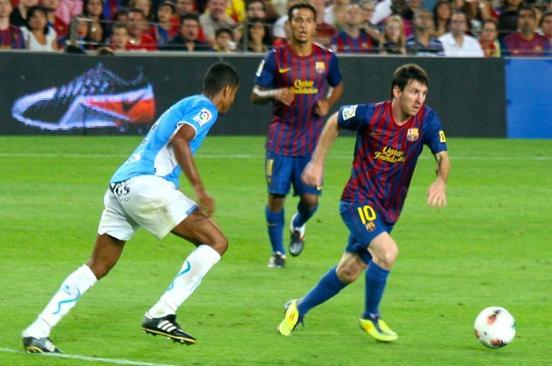 File:Lionel Messi vs Osasuna.jpg