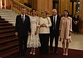 Llegada de los líderes y sus acompañantes al Teatro Colón (44305619130).jpg