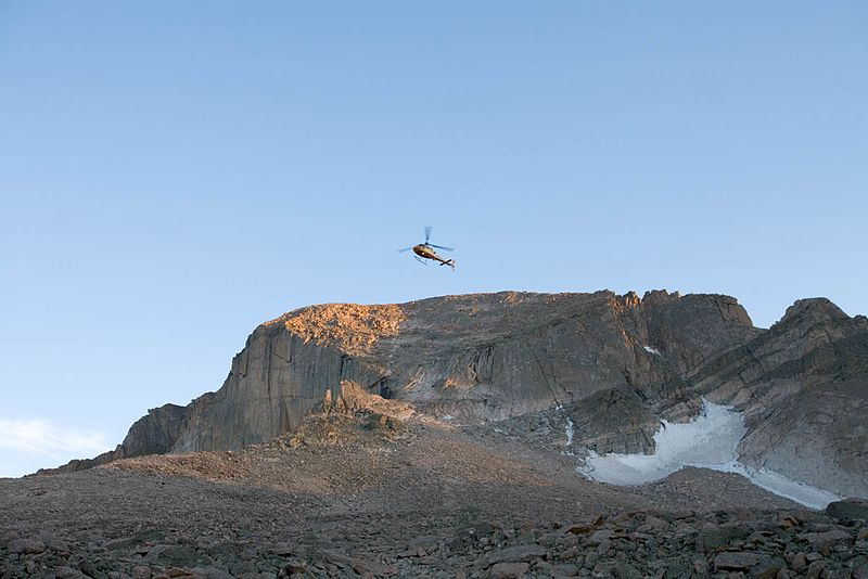 File:Long's Peak helicopter rescue in Rocky Mountain National Park. NPS-Michael B. Edwards (18499539829).jpg