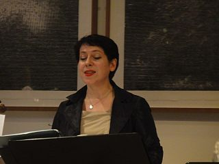 Loré Lixenberg British mezzo-soprano