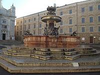 Loreto, Fontana Maggiore.jpg
