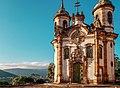 Luzes e cores presentes na Igreja de São Francisco de Assis em Ouro Preto.jpg