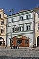 Měšťanský dům s pamětní deskou Aloise Jiráska (Hradec Králové), Velké nám. 132.JPG