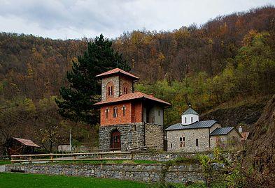 Manastir Vaznesenje, jesen 08.jpg