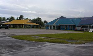 Funafuti International Airport - Maneapa and airport building