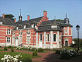Marchienne-au-Pont - Château Bilquin-de Cartier - 04 - aile nord et pigeonnier.jpg
