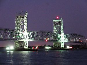 Gil Hodges - The Marine Parkway–Gil Hodges Memorial Bridge at night, crica 2014