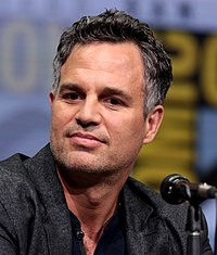 A photograph of Mark Ruffalo in 2017.