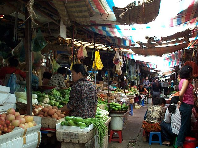 A photograph of a vegetable market in Phnom Penh, in Cambodia.