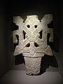 Mayas, Révélation d'un temps sans fin - acrotère avec dards.JPG