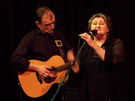 Martin Carthy en Norma Waterson (april 2006)