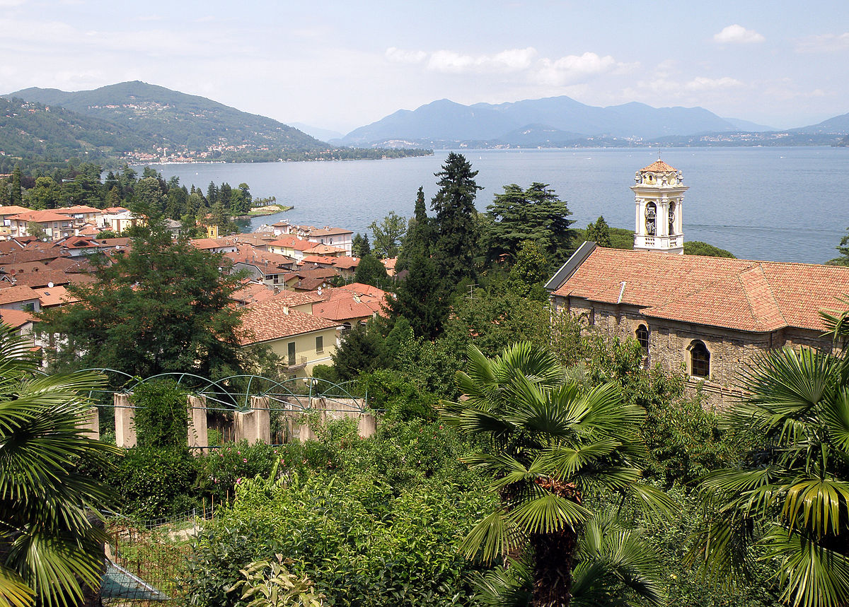 Villas for rent in Meina. Italy holiday rentals | Villa Search ...