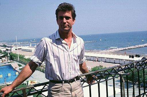 Mel Gibson, 1985 01