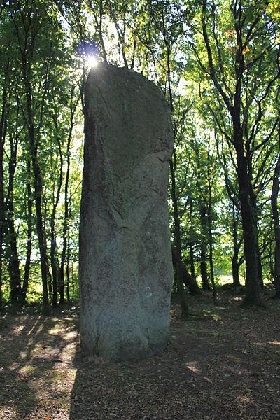 Menhir de Kermarquer (Moustoir-Ac)