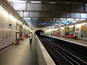 Rome (Paris Métro) - Image: Metro de Paris Ligne 2 Rome 01