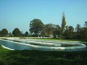 Algae fuel - Raceway pond used for the cultivation of microalgae