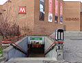 Milano metropolitana Lanza scala ingresso 1.JPG