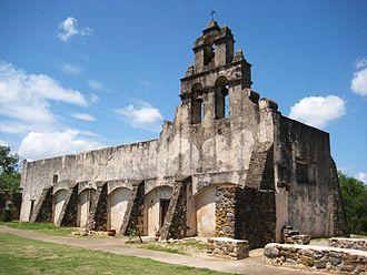 Mission San Juan Capistrano (Texas) - Image: Mission San Juan Capistrano Facade 2