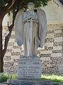 Monument aux morts Saint-Pierre-du-Vauvray.jpg