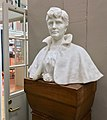 Monumental marble bust of author Amalie Skram (1846–1905) by Ambrosia Tønnesen (1916), on display in Bergen Public Library, Norway (photo 2018-03-18) B.jpg